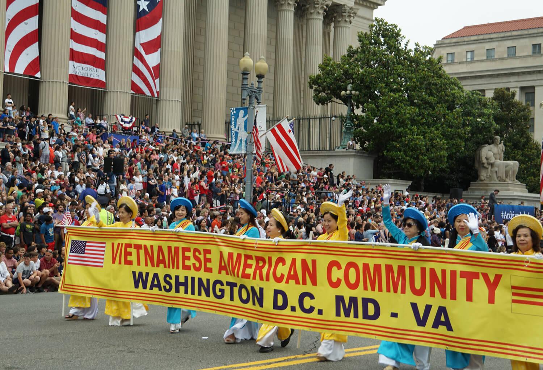 Hinh ảnh Cộng Đồng VN tham dự  Diễn Hành Lễ Độc Lập Hoa Kỳ  July 4, 2016